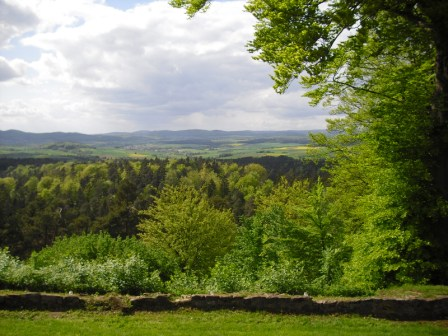 Aussicht vom Christenberg nach Westen im Sommer