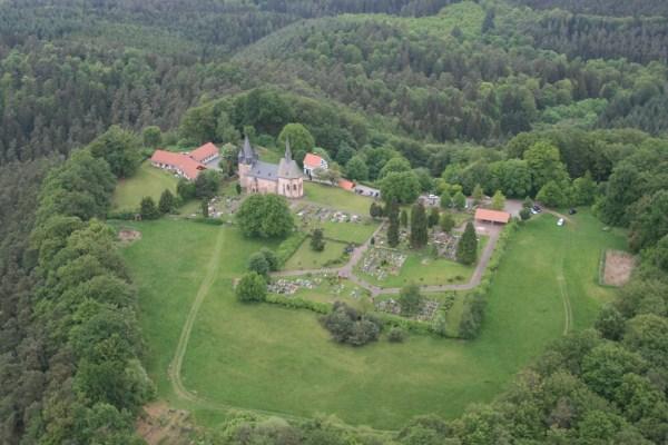 Luftbild Christenberg von Süden