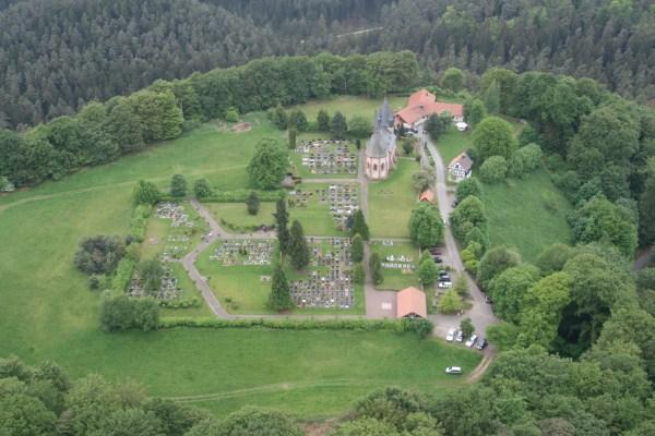 Luftbild Christenberg von Osten
